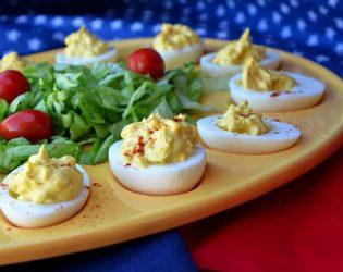 طرز تهیه تخم مرغ شکم پر با ادویه کاجون معطر و لذیذ